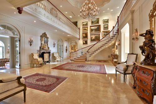 68 The Bridle Path mansion